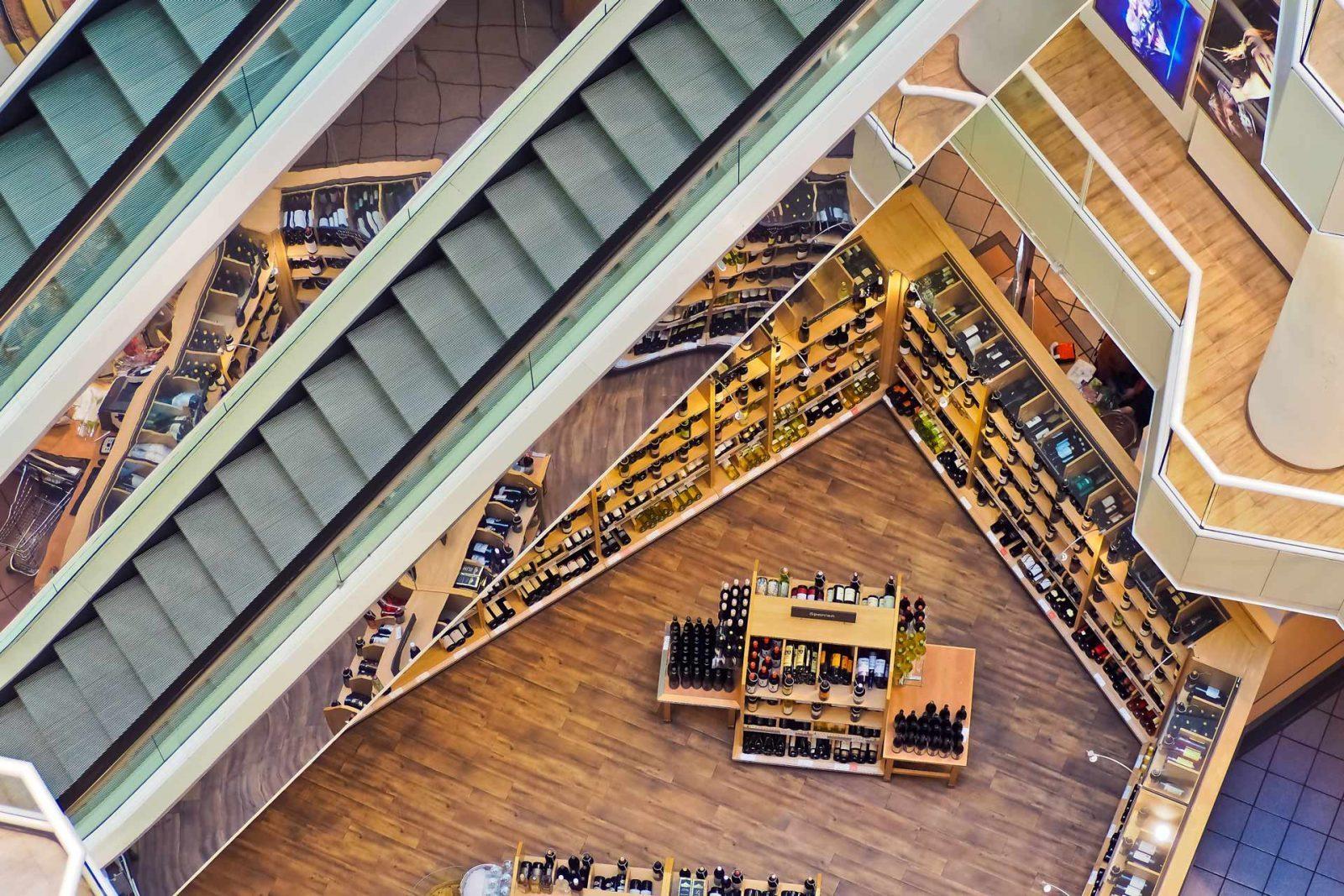 scale di un centro commerciale